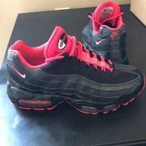 Nike Air Max Classic Sneaker Black/Pink